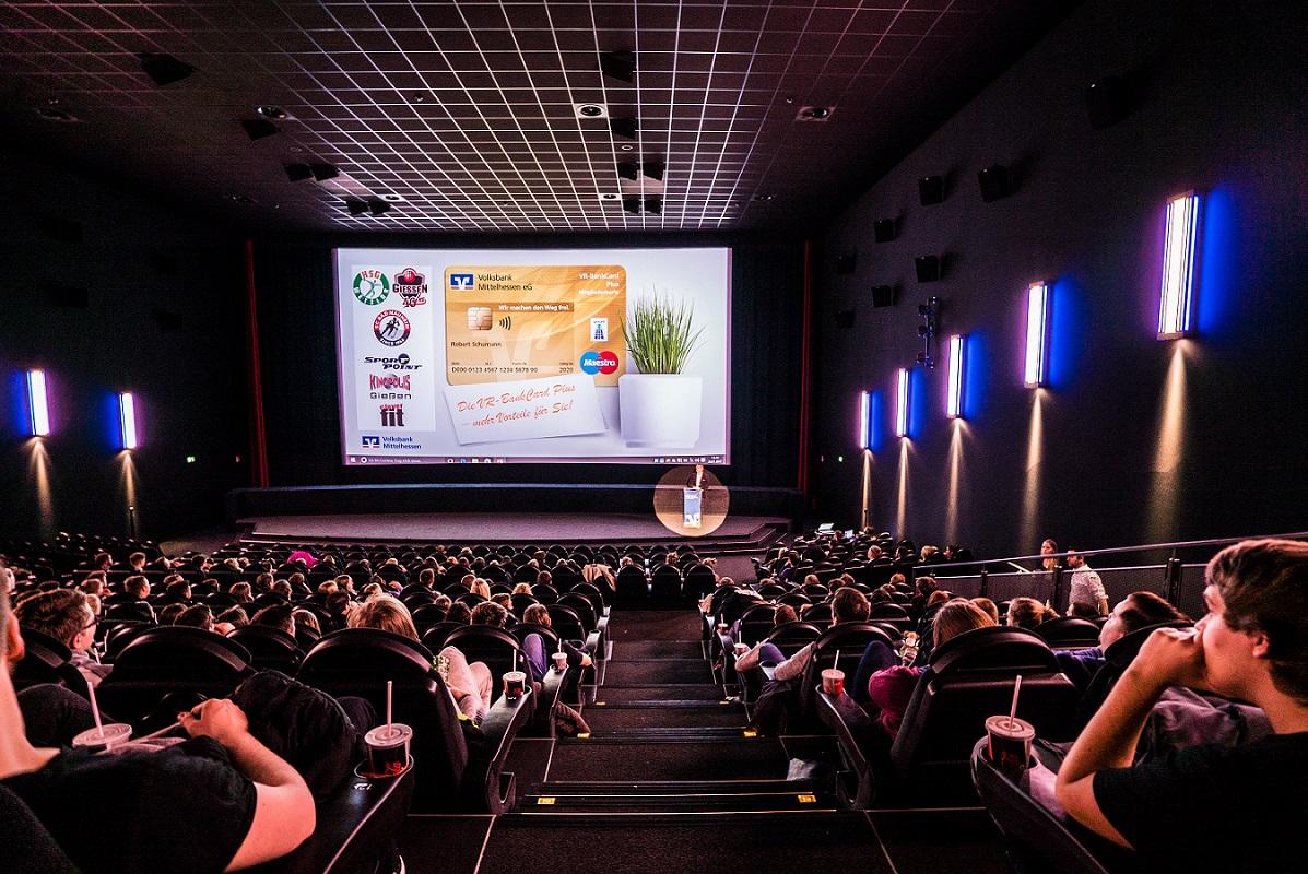 Mitgliederversammlung für junge Leute im Kinopolis Gießen