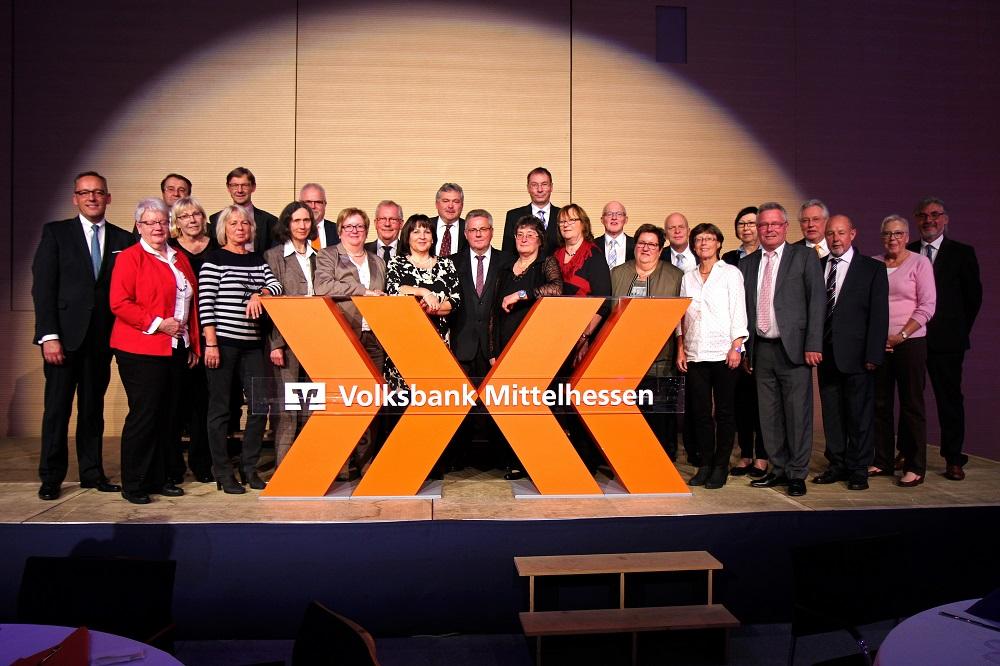 Vorstand ehrt Jubilare der Volksbank Mittelhessen