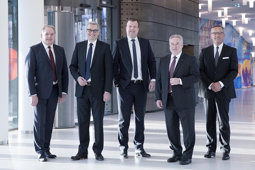 Rainer Staffa, Rolf Witezek, Dr. Lars Witteck, Hans-Heinrich Bernhardt, Dr. Peter Hanker, Vorstandsteam, Volksbank Mittelhessen