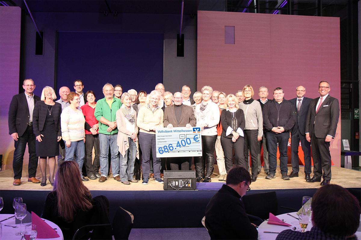 Volksbank Mittelhessen spendet 686.400 Euro an Vereine und soziale Initiativen